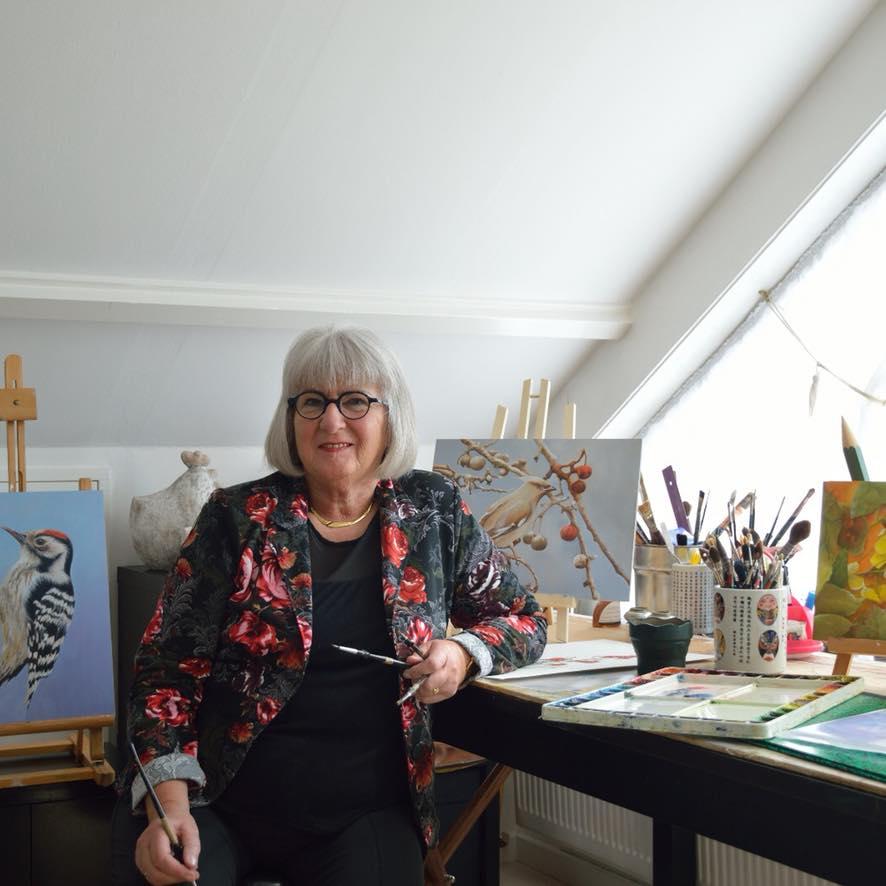 Marianne in haar thuis atelier.